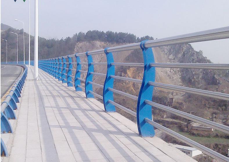 哈尔滨桥梁护栏|哈尔滨草坪护栏