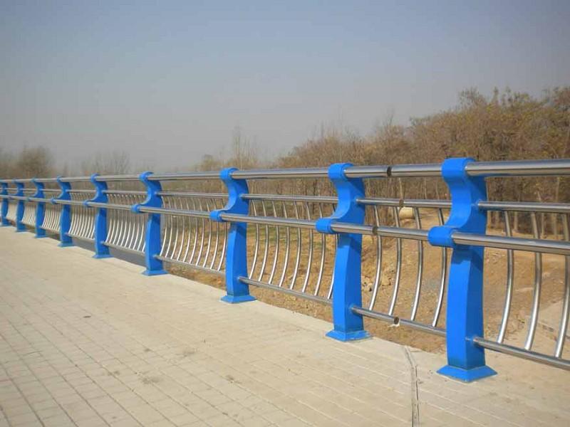 黑龙江桥梁护栏|黑龙江铁马护栏