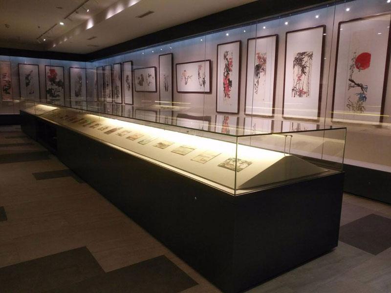 军事博物馆展柜