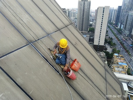 信誉好的外墙渗漏维修公司当选广州鑫海建筑幕墙工程|外墙渗漏过了保修期怎么办