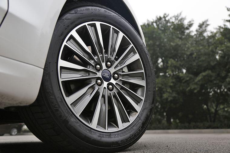 陕西汽车维修-买好的汽车轮胎当然是到凯里市天星汽车维修服务了
