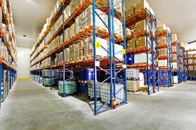 膠州_城陽橫梁式貨架廠家供應-哪里可以買到黃島橫梁式倉儲貨架