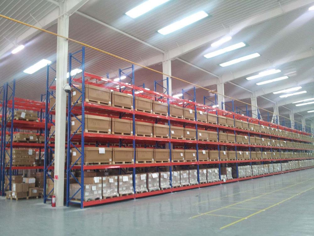烟台横梁仓储货架哪里买,烟台托盘式仓库货架零售价格