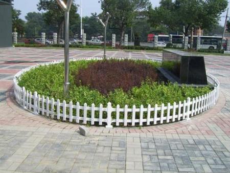寧波草坪護欄定製|知名的草坪護欄供貨商,當屬鋒輝護欄
