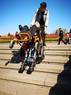 电动爬楼梯轮椅车租赁-高品质的爬楼机哪里有卖