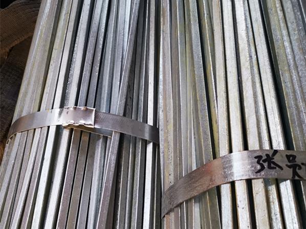 热镀锌方钢尺寸-新型热镀锌方钢供应信息