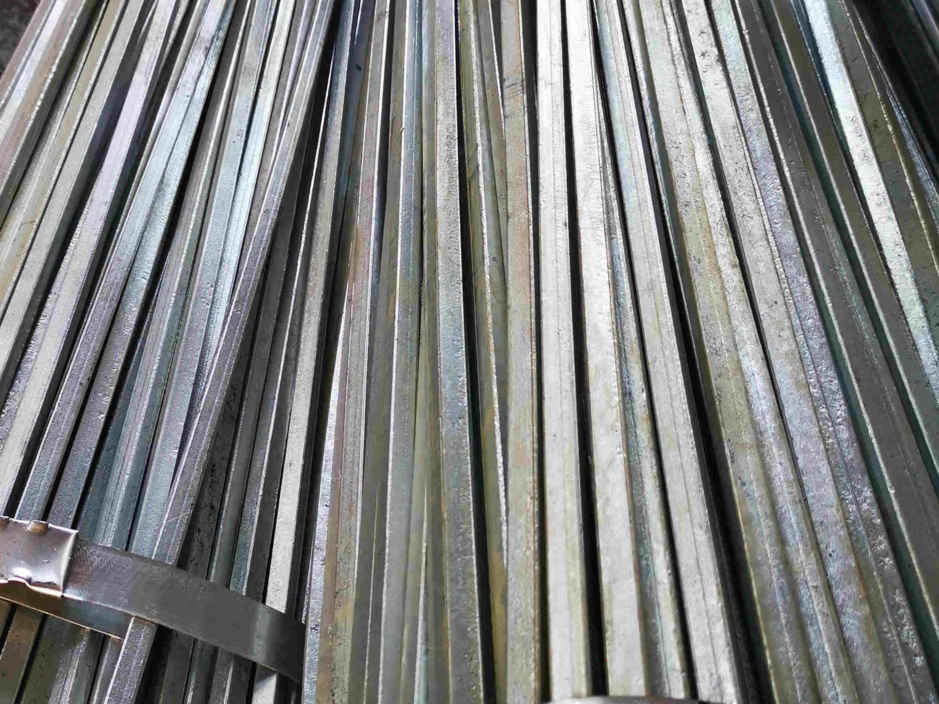 中国可按需定制热镀锌方钢 供应冀中轧钢厂价格划算的热镀锌方钢