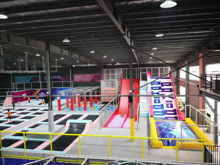口袋屋游乐提供品牌好的蹦床公园加盟_武汉蹦床馆需要多少投资