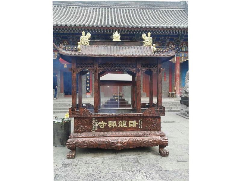 寺庙铁香炉铜香炉