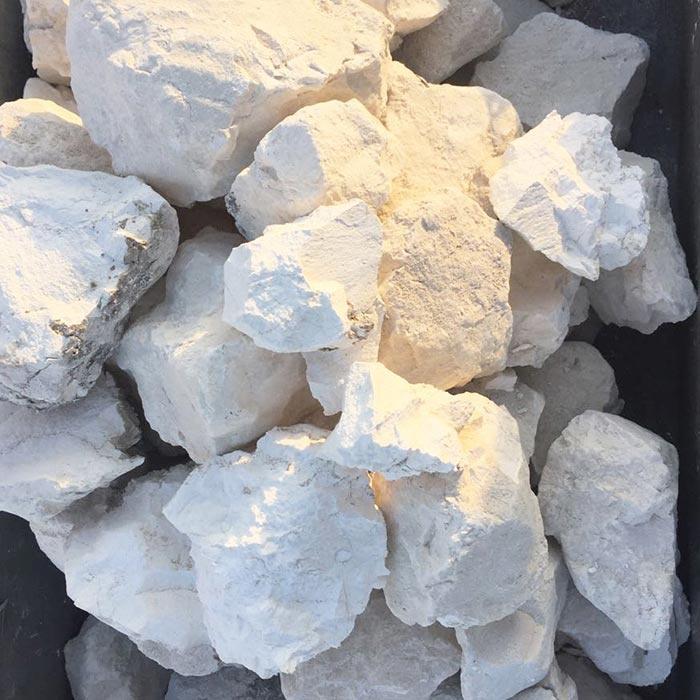 江苏专业供应水泥|云南优良的石灰供应出售