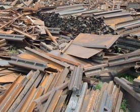 南阳废旧料铁出售价格-有口碑的废旧料铁回收提供【馨阳回收】