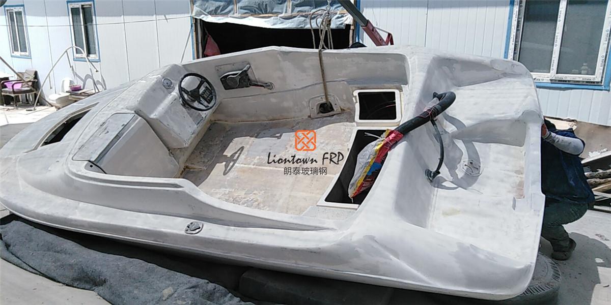 上哪找不错的玻璃钢游艇翻新修复服务 |内蒙玻璃钢游船翻新