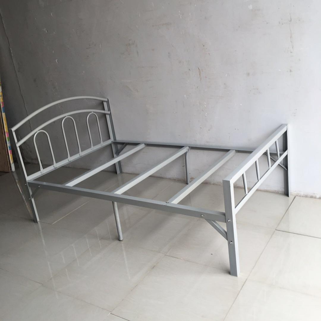 烤漆鐵藝床