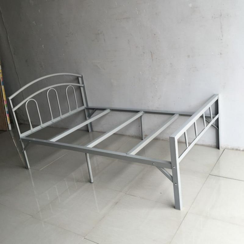 工廠宿舍鐵床