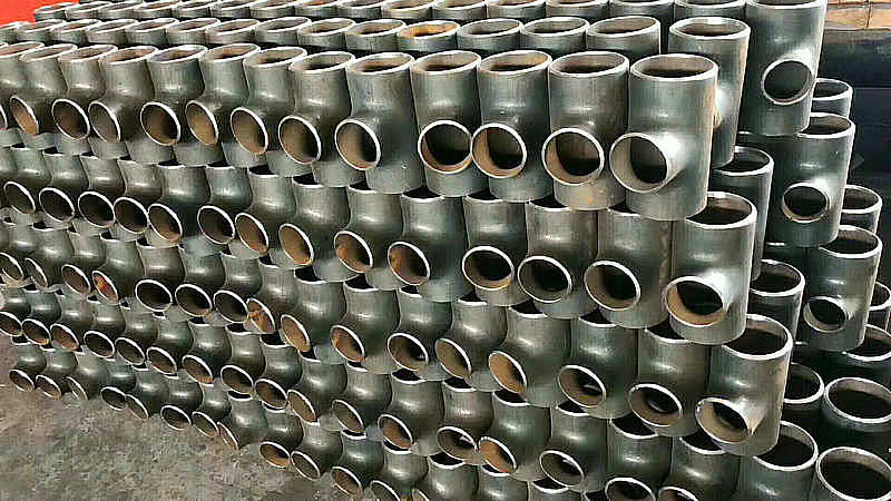 生产碳钢等径高压无缝对焊三通