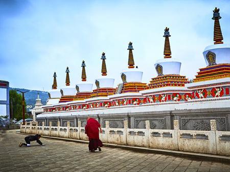 青海旅游包車-要找可信賴的敦煌大環線旅游優選青海依山國旅