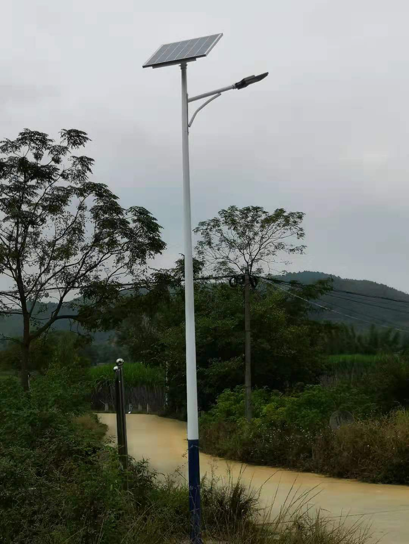 廣西太陽能路燈廠家-誠摯推薦優良的8米太陽能路燈