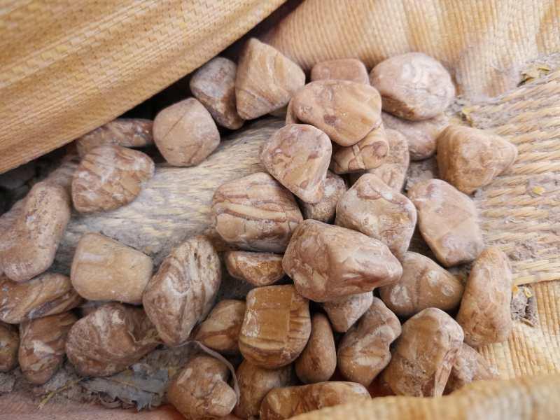 鞍山机制鹅卵石厂家,就选新泰石粉厂