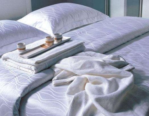 床上用品供貨廠家-??诳孔V的海南床品布草供應商