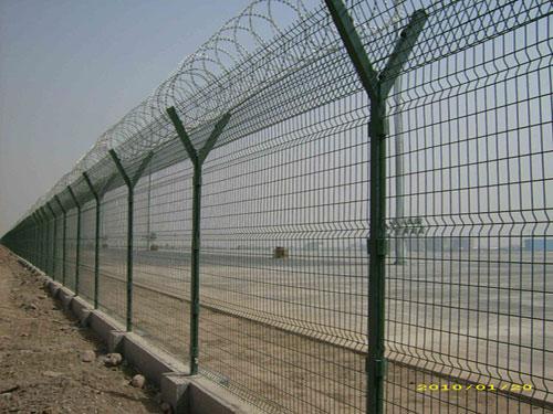机场用钢筋焊接网隔离栅_15131856266防爬隔离护栏网