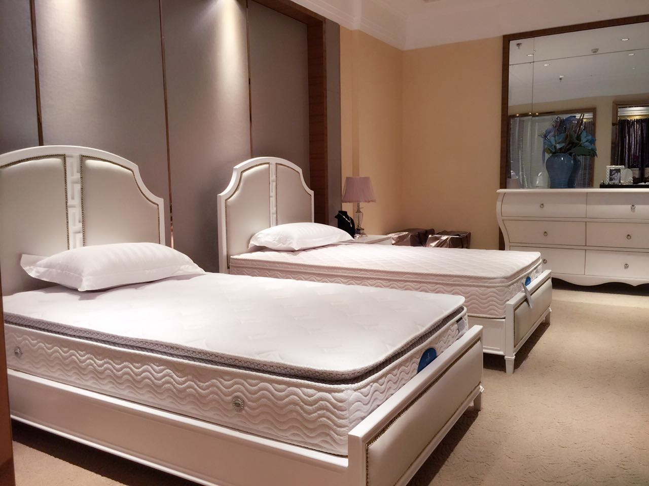 宁夏酒店床垫定制当选富龙床垫-吴忠酒店床垫定制厂家