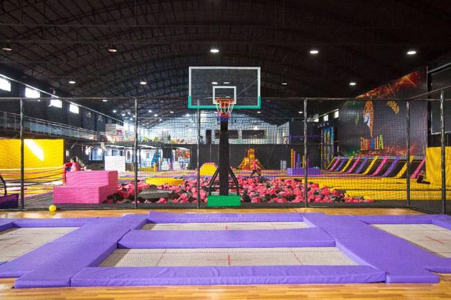蹦床公园加盟,网红蹦床公园,蹦床公园投资