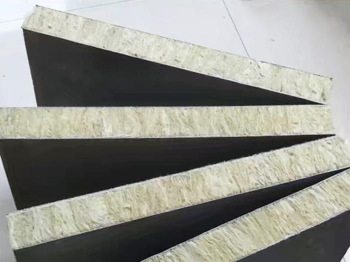银川销量好的宁夏岩棉板复合板-中卫岩棉板复合板厂家-嘉宸保温