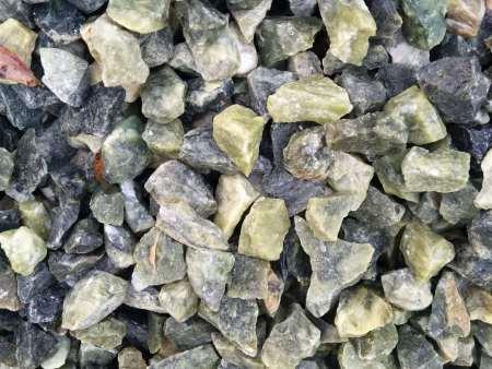 鞍山綠石米廠家_買專業的綠石米優選玉鵬石米加工廠