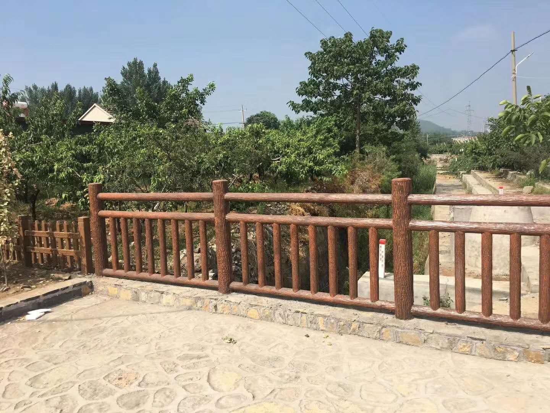 景區生態仿樹藤欄桿施工制作,邯鄲新農村建設異形仿樹根欄桿