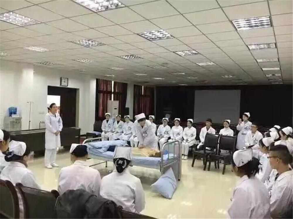哪里有培养康复治疗技术人才提供|护士学校招生中