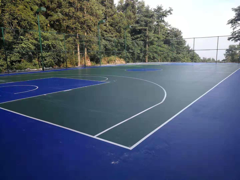 塑胶篮球场建设|选购高质量的塑胶蓝球场,就来华速新材料