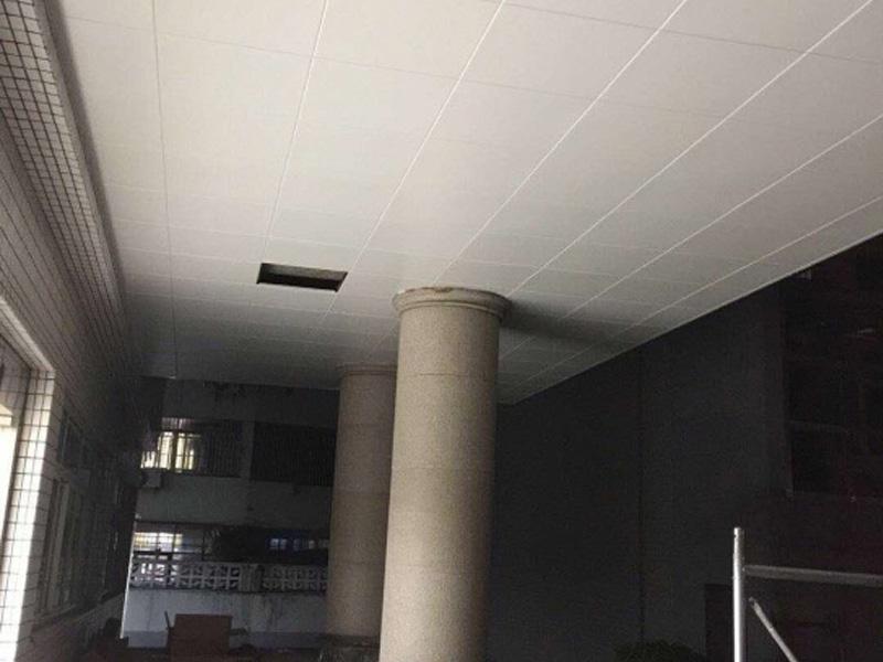 工程吊顶可信赖-大量出售好的工程板吊顶