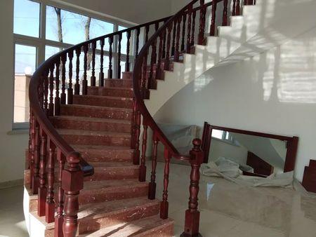 聲譽好的木門供應商當屬沈陽盛森勵合實木樓梯 木門價格