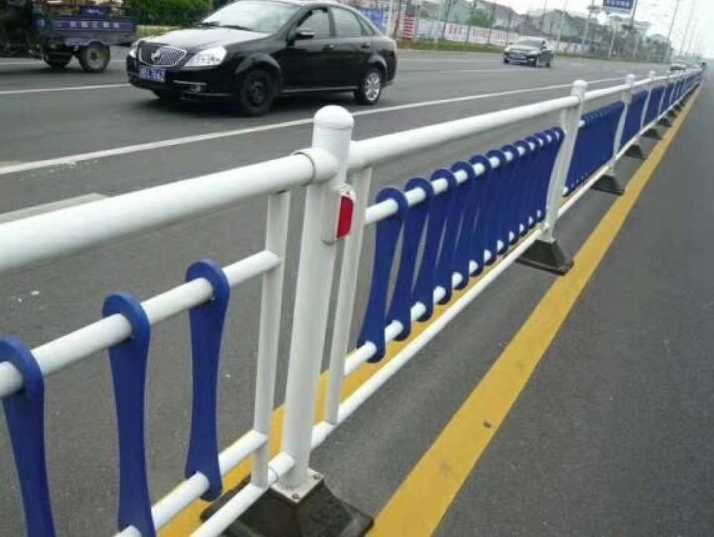 交通护栏厂家直销-为您推荐质量好的郴州交通护栏