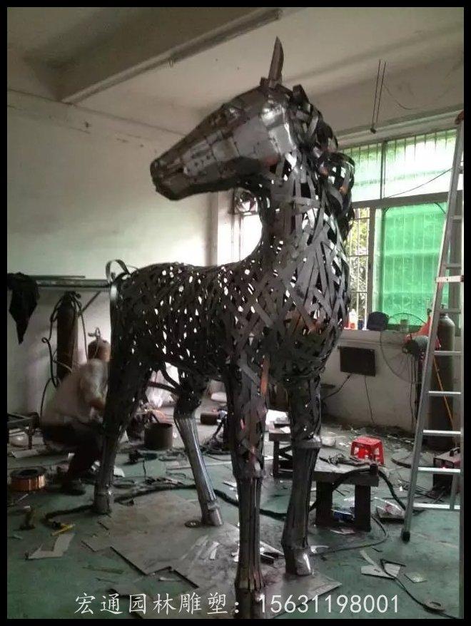 小马驹雕塑不锈钢动物雕塑厂家