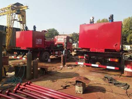 兰州油田洗井车厂家|兰州巨腾石油钻采机械设备供应好的甘肃压裂车