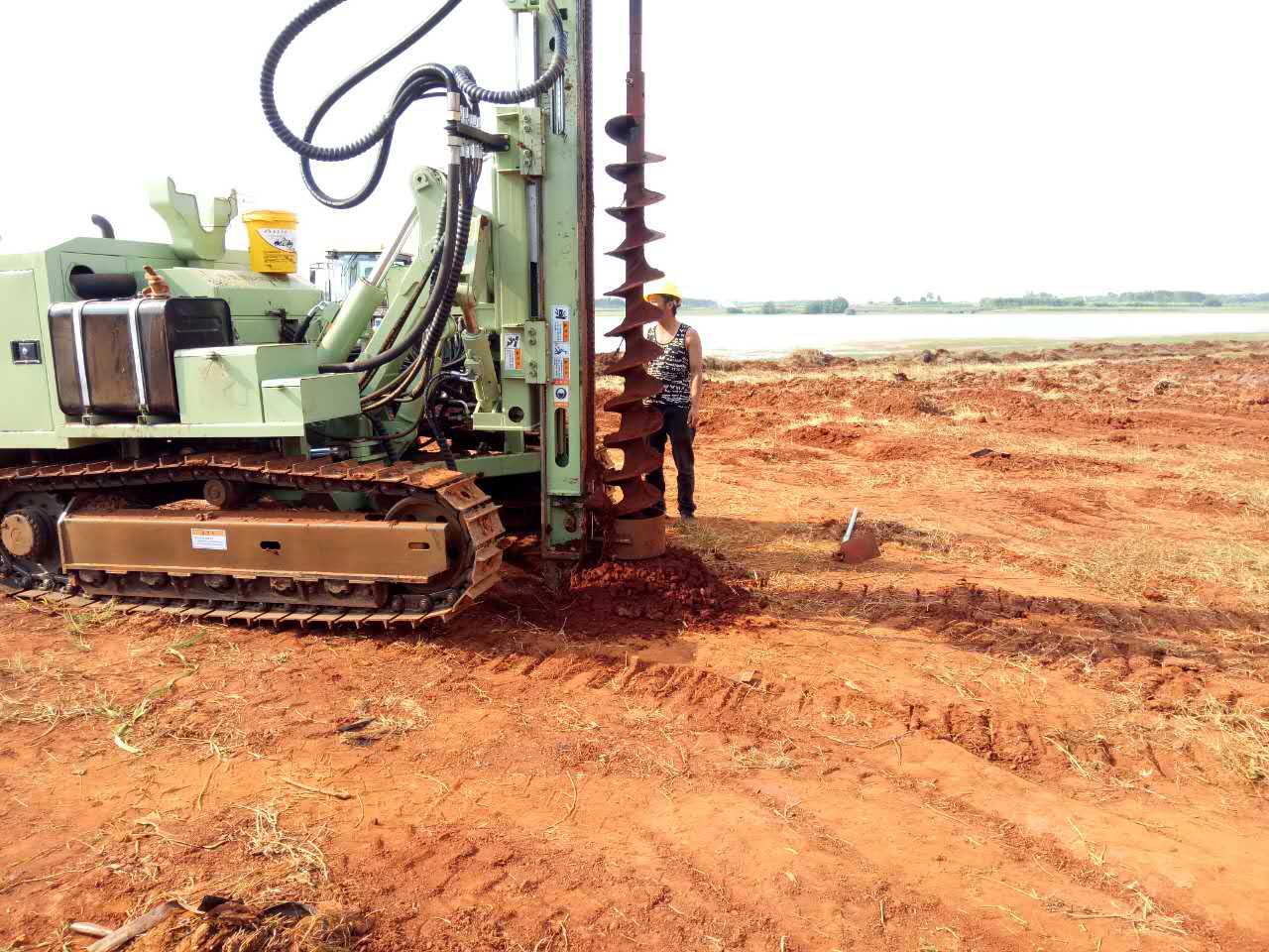 光伏水泥桩施工