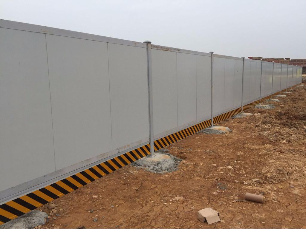 蘭州彩鋼圍欄_劃算的蘭州彩鋼圍擋蘭州宏陽篩網供應