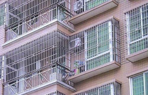 惠东不锈钢防盗网厂商|要买销量好的防盗窗就来福临门卷闸门