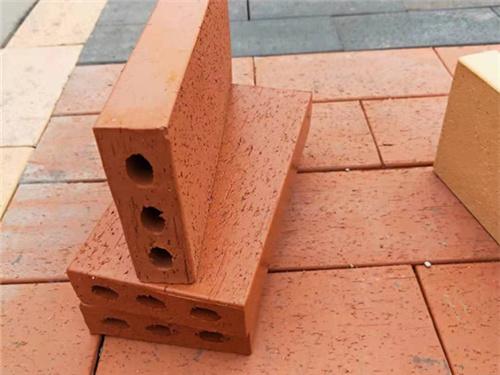 西安廣場磚定制_陜西魯冠建材_西安燒結磚價格實惠