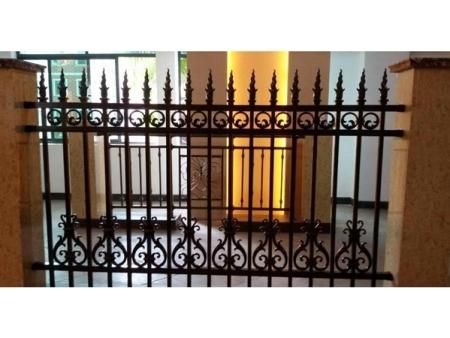 山东别墅阳台护栏-潍坊市高质量的铝艺护栏