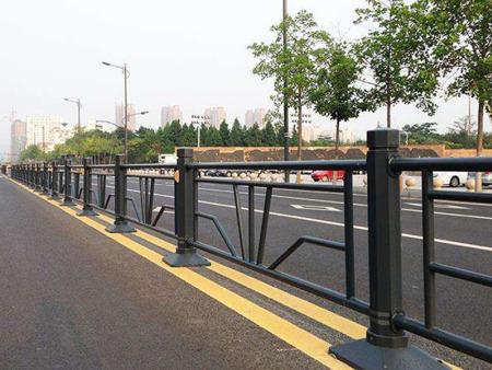 道路护栏,道路护栏厂家,道路护栏安装
