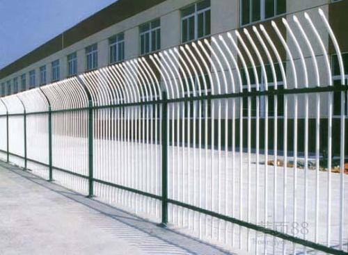 安徽锌钢护栏批发_优良铁艺护栏生产批发