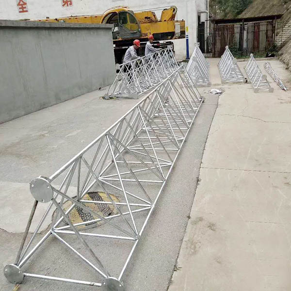 三腳圓鋼避雷塔