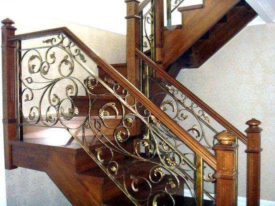 铁艺楼梯价格-惠州辉隆铁艺铝艺好用的楼梯新品上市