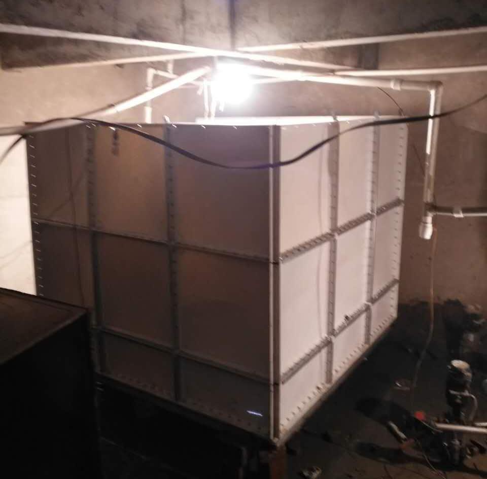 阿勒泰玻璃钢水箱定做_高性价新疆玻璃钢水箱在哪买