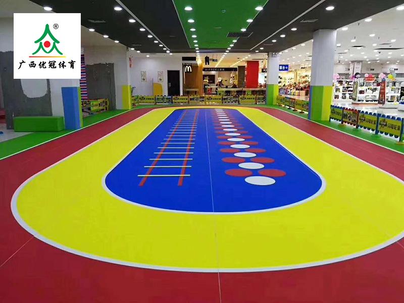 廣西PVC塑膠地板幼兒園地膠PVC環保地板卡通運動地板廠家