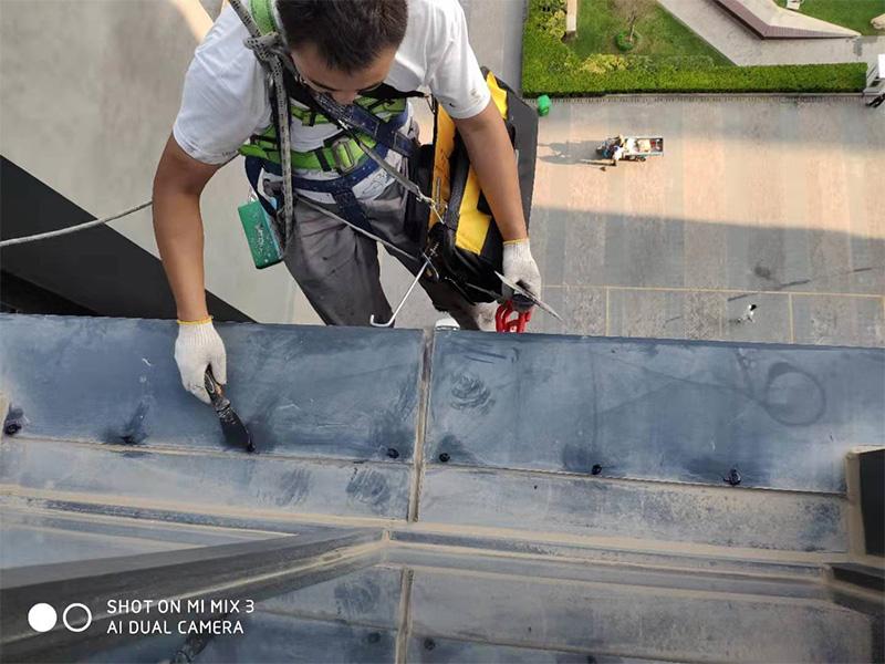 外墻維修公司-鄭州哪里有口碑好的幕墻玻璃維修