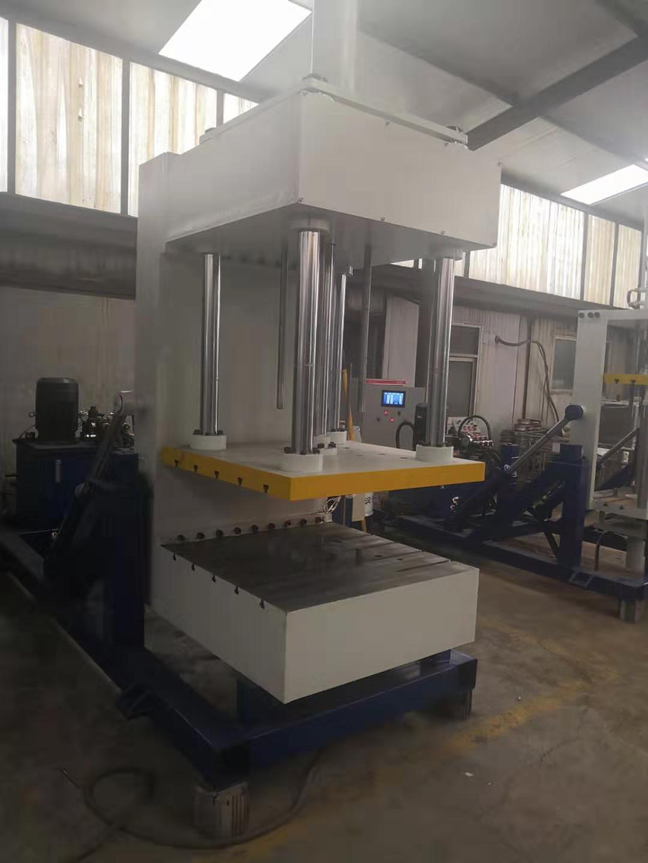 重力翻轉式澆鑄機|價位合理的澆鑄機供銷