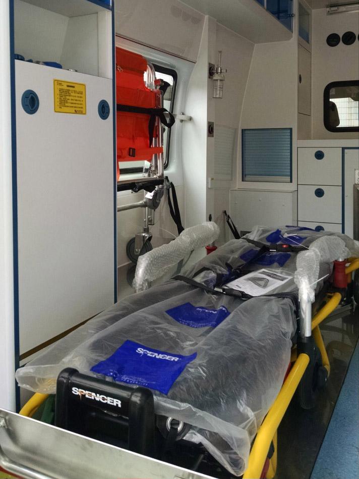 外貿救護車|專業的福特新全順V362負壓監護型救護車供應商推薦